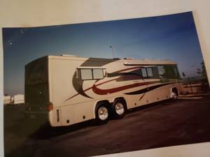 2003 Country Coach Allure - FIRST AVENUE EDITION