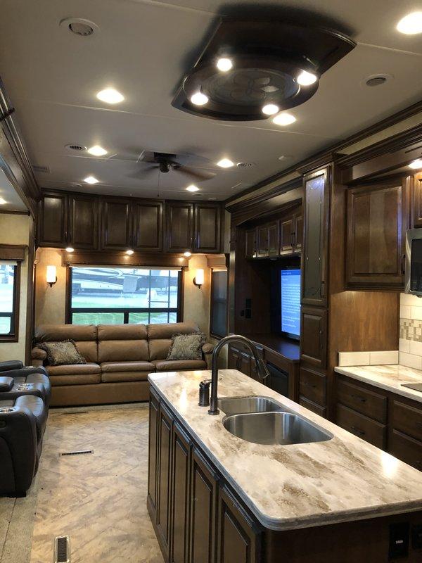 2015 DRV Mobile Suites 44 Houston