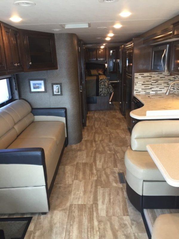 2017 Thor Motor Coach Palazzo 33.2