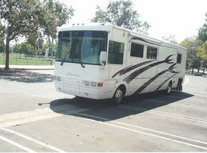 2001 National RV Tradewinds 7390 LTC