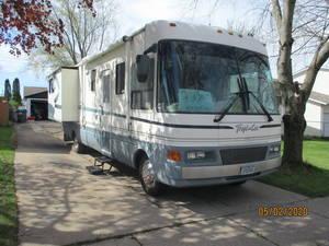 2001 National RV Tropical 6332