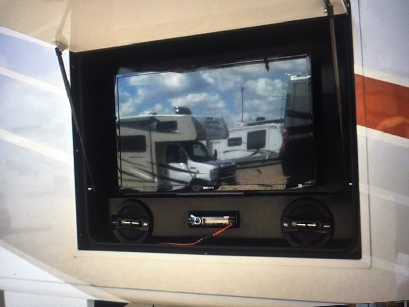 2015 Fleetwood Discovery 40G