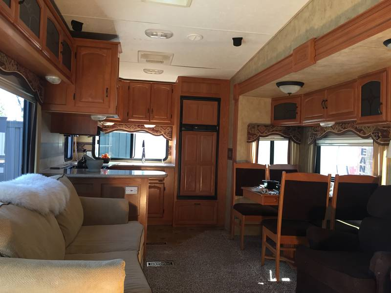 2009 Keystone Montana 3000RK
