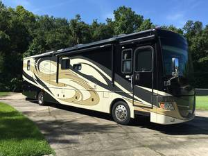 2010 Fleetwood Discovery 40K