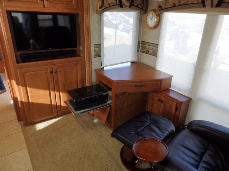 2009 Damon Astoria Pacific 3778