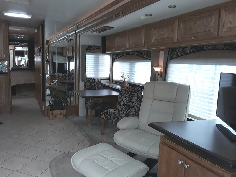 2006 Tiffin Phaeton 40QSH