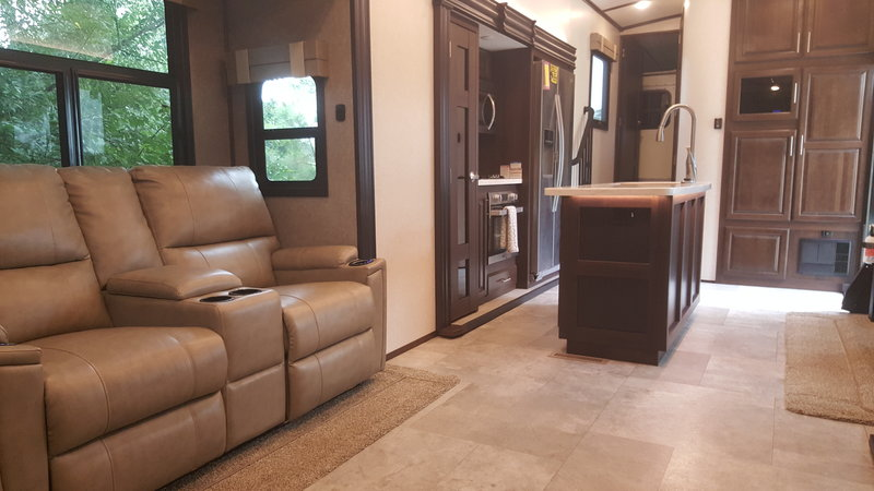 2018 Jayco North Point 361 RSFS