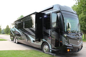2019 Fleetwood Discovery LXE 44H