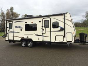 2017 Forest River Flagstaff Micro Lite 25KS
