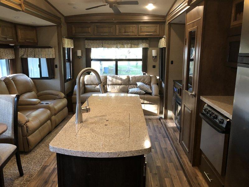 2017 Coachmen Brookstone 395RL