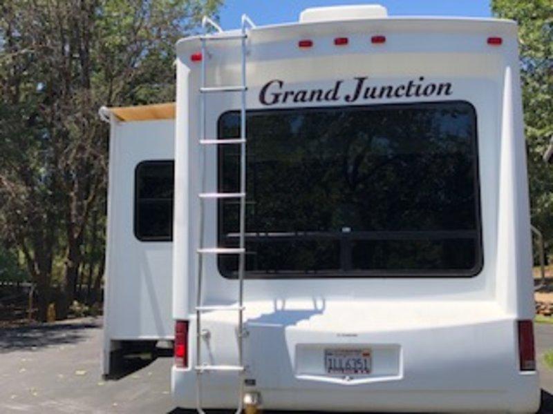 2006 Dutchmen Grand Junction DRL29