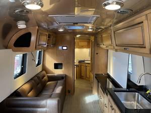 2020 Airstream Classic 33FBT