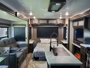 2020 Winnebago Voyage 3235RL