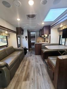 2017 Forest River Forester GTS Sunseeker 2800QSF