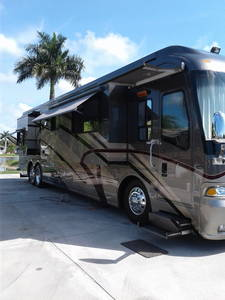 2006 Country Coach Magna 630 Rembrant
