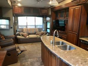 2012 Redwood RV  M36 FB