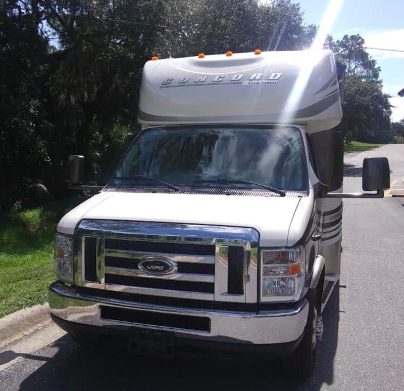 2015 Coachmen Concord 300DS