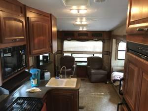 2011 Keystone Cougar 318SAB