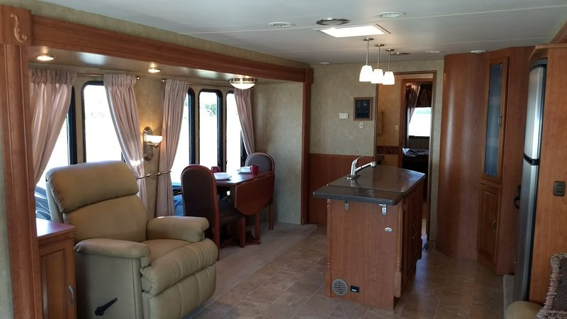 2009 Forest River Georgetown 374