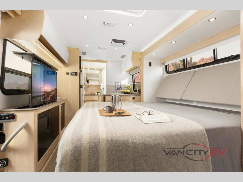 2021 Leisure Travel Vans Unity U24MB