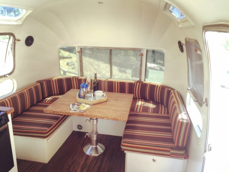 1976 Airstream Classic Sovereign-Land Yatch