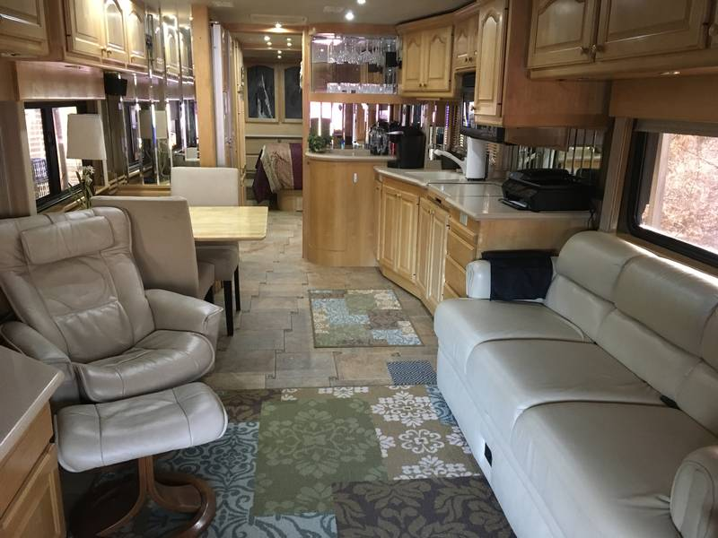 2002 Country Coach Affinity 40 ERSG Evening Retreat
