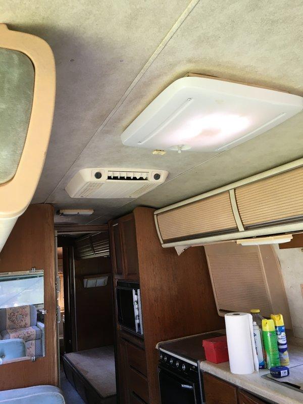 1984 Airstream Excella TEAU3
