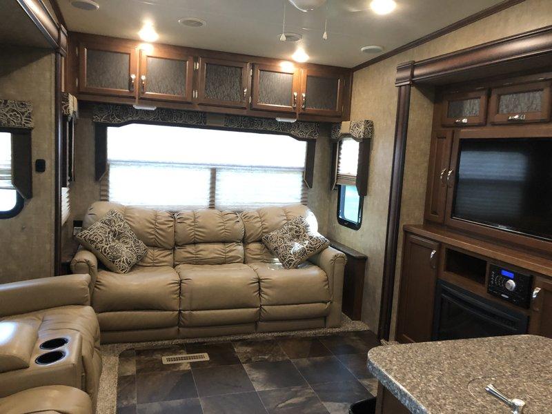 2016 KZ Durango 2500 325RLT