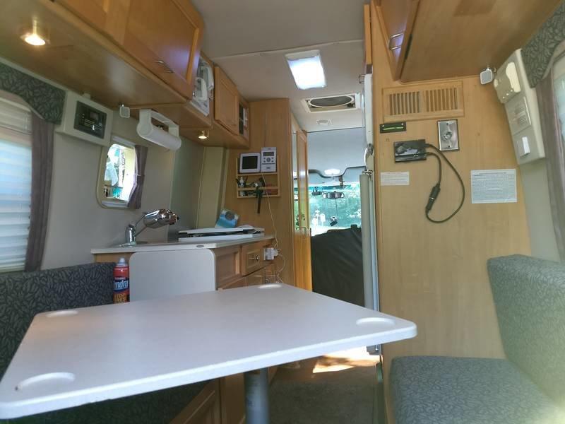 2004 Leisure Travel Vans Free Spirit 210A