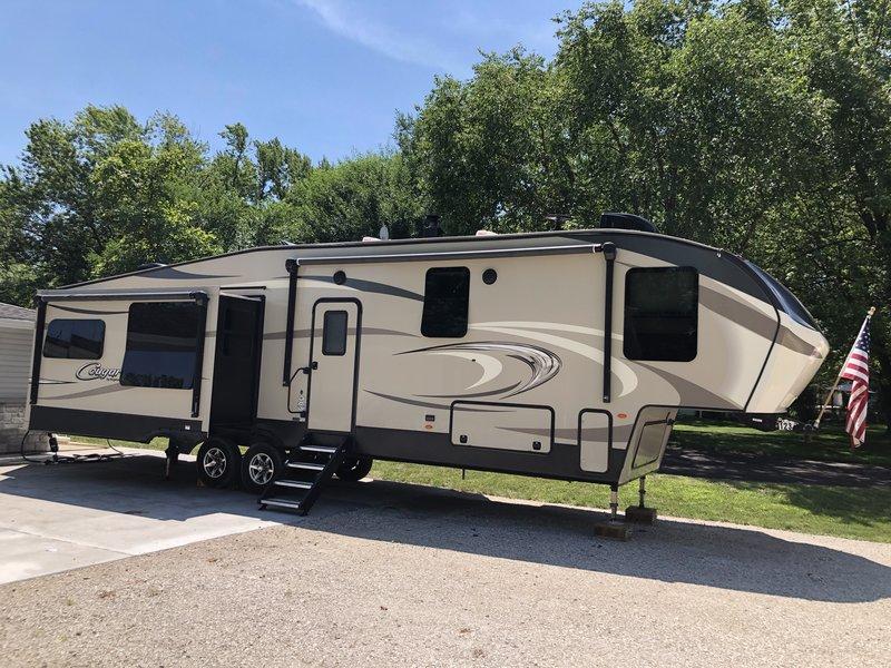2017 Keystone Cougar 359MBI