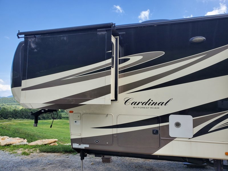 2012 Forest River Cardinal Luxury 3450