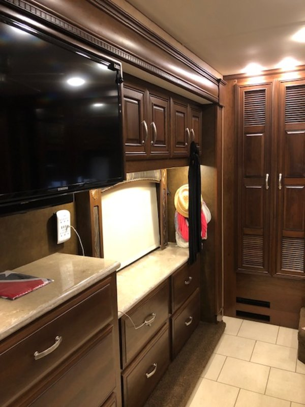 2015 Entegra Coach Anthem 44DLQ