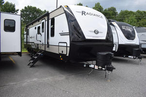 2021 Cruiser RV Radiance 30DS