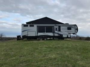 2018 Keystone Avalanche 395BH