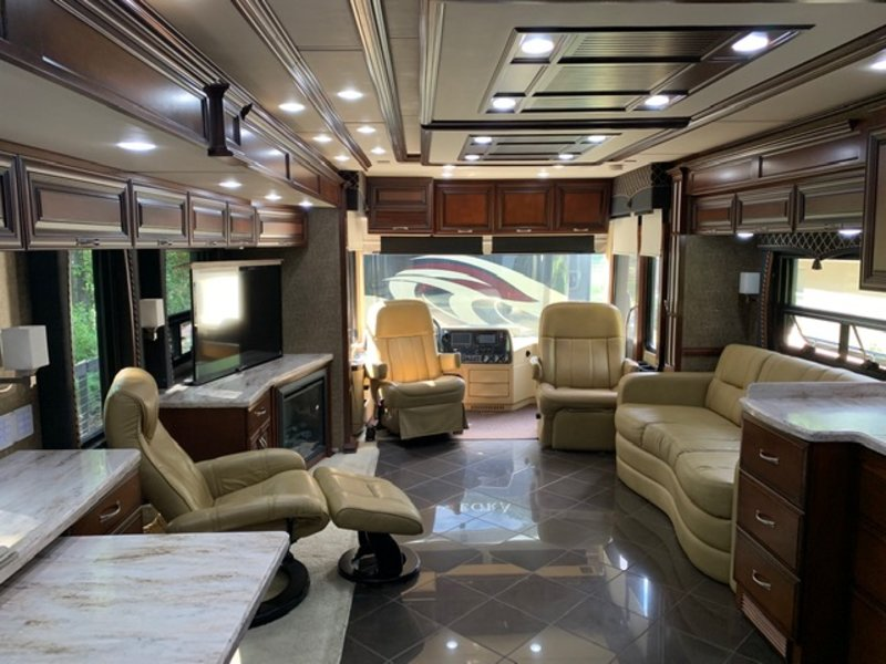 2013 Newmar Mountain Aire 4319