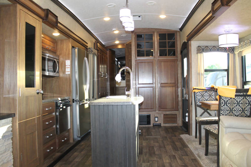 2017 Keystone Montana 3721RL