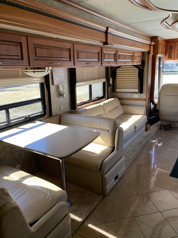 2008 Newmar Mountain Aire 4121