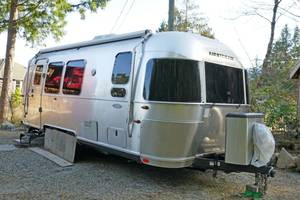2015 Airstream Flying Cloud 23FB Queen