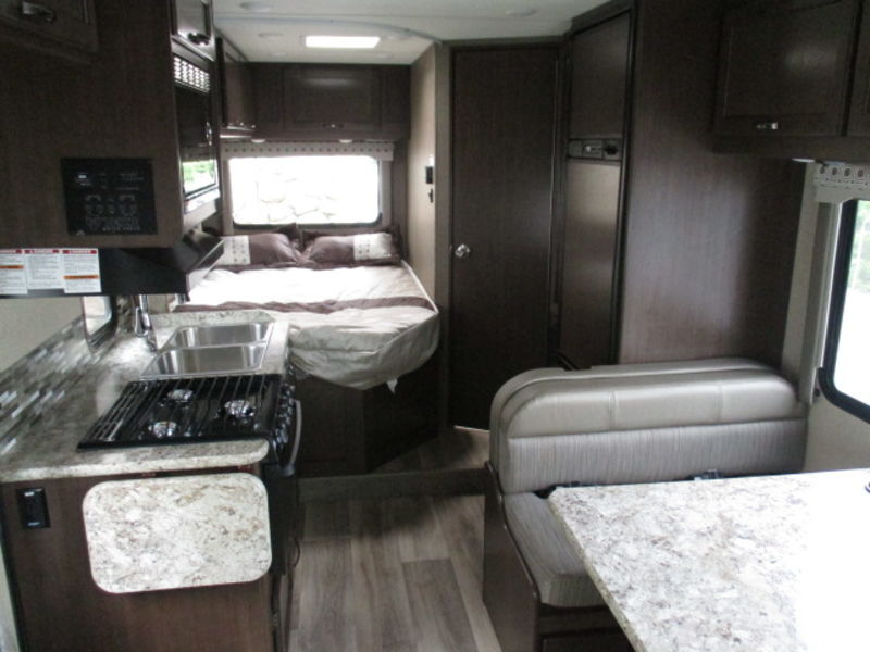 2018 Thor Motor Coach Four Winds 23U