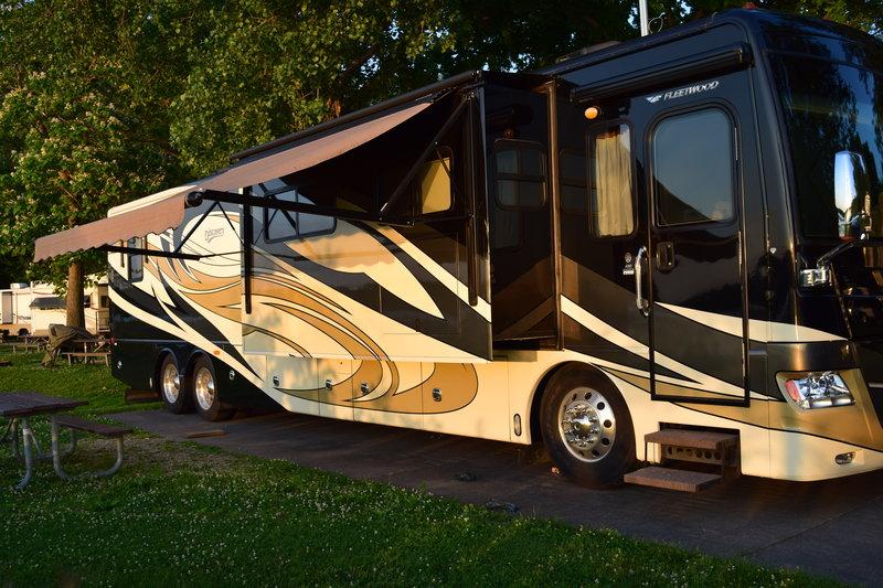 2011 Fleetwood Discovery 42C
