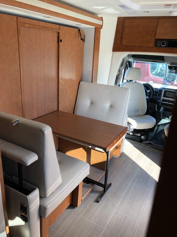 2018 Leisure Travel Vans Unity FX