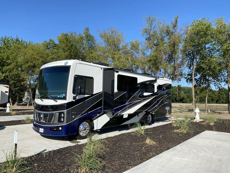2018 Holiday Rambler Vacationer 34S