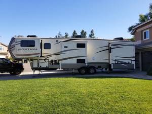 2017 Keystone Montana 3730FL