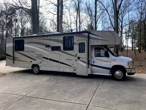 2019 Coachmen Leprechaun 319MB Ford 450