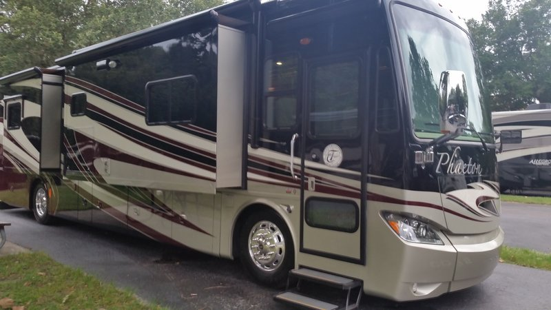 Used Motorhomes For Sale By Owner >> 2013 Tiffin Phaeton 40qbh For Sale Navarre Fl
