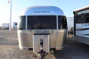 2010 Airstream International Signature 27FB