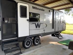 2018 Winnebago Micro Minnie 2401RG