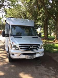 2017 Leisure Travel Vans Unity ISLAND BED,