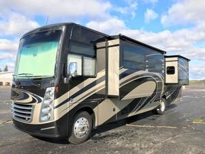 2018 Thor Motor Coach Challenger 37TB