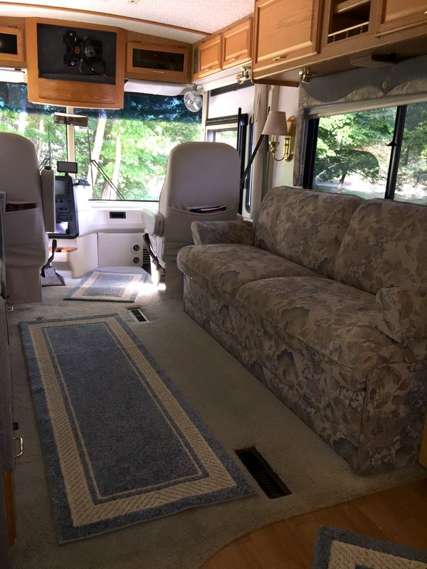 2002 Winnebago Journey 32T